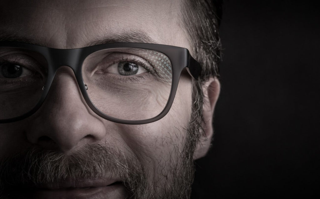 Excessive eye blinking: a nervous tic?