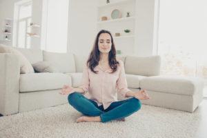 Comment apprendre à méditer seul chez soi?