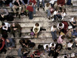 Comment vaincre sa peur de faire un malaise en public ?